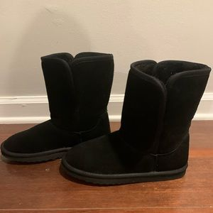 UGG short Black boots- EXCELLENT condition